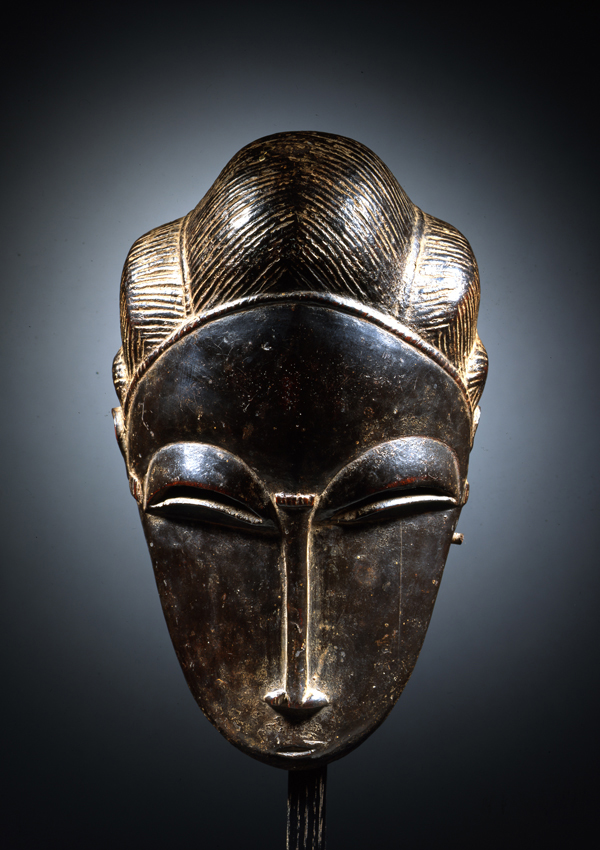 Baule Portrait Mask  - now in the collection of the Yale University Art Gallery, New Haven  - image 1