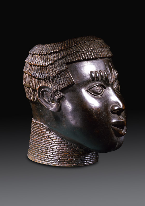 Benin Bronze Commemorative Head - now in the collection of the Private Collection - image 1