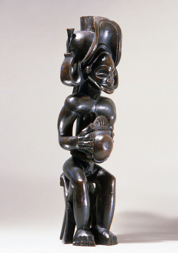 Chokwe Seated Chief with Thumb Piano  - now in the collection of the The Metropolitan Museum of Art, New York - image 1